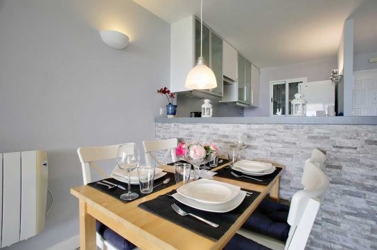 10-Dining-table
